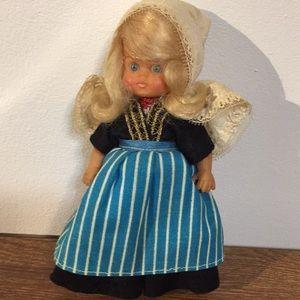 "Vintage cultural doll Holland 6 3/4"" tall keepsake"